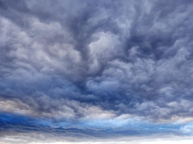 嵐がきそうな雲